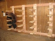 wooden saddle rack Link no longer works, but rack is self-explainatory Horse Tack Rooms, Horse Stables, Horse Farms, Tack Room Organization, Storage Room, Organization Ideas, Tack Locker, Diy Locker, Diy Cnc Router