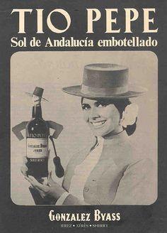 """1971: """"Sol de Andalucía..."""". Mujer con Tio Pepe. / 1971: """"Andalusian Sun....""""  Woman and Tio Pepe."""