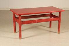 Tavolino in stile Vico Magistretti