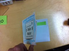 Sight Word Wallets - such a clever idea to get kids motivated to know their sight words!  Love it!