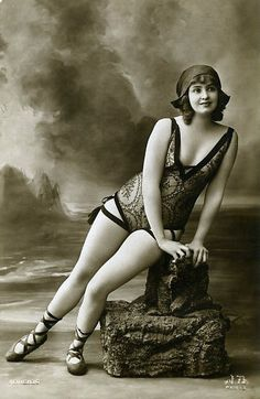 1920's pin up girl in bathing suit