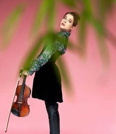 Shooting Lindsey Stirling so beautiful Lindsey Stirling, Cello For Sale, Peter Hollens, Violin Photography, Les Beatles, Panic! At The Disco, Music People, Queen, Role Models