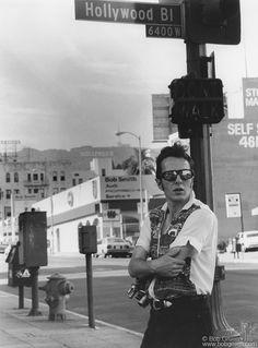 Bob Gruen, Rock and Roll Photographer - Joe Strummer Joe Strummer Quotes, History Of Punk, Toast Of London, The Future Is Unwritten, Mick Jones, British Punk, Black And White City, The Clash, Post Punk