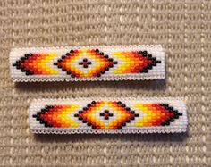 Native American Beaded Hair Clip Barrette by CameronGoods on Etsy Native Beading Patterns, Beadwork Designs, Seed Bead Patterns, Native Beadwork, Native American Beadwork, Beaded Jewelry Patterns, Loom Bracelet Patterns, Bead Loom Bracelets, Brick Stitch Earrings