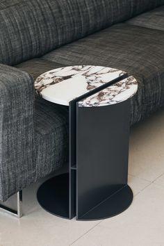 Living Furniture, Metal Furniture, Table Furniture, Furniture Design, Trunk Side Table, Chair Side Table, Centre Table Living Room, Tea Table Design, Stone Wall Design