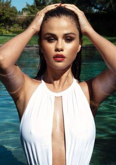 Selena Gomez turns up the head in a super sexy white bathing suit. (Courtesy of Instagram)
