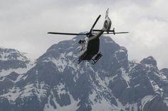Un helicóptero de la Guardia Civil de montaña cerca de Panticosa, en una imagen de archivo