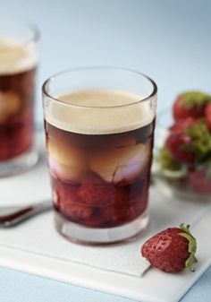 A classic Valentine's Day ingredient is transformed in this delicious Strawberry Coffee recipe. Elevate your strawberry ice cream by blending it with a Grand Cru from Nespresso. What a wonderful dessert idea!