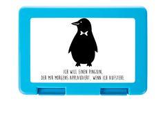Brotdose Pinguin aus Premium Kunststoff  schwarz - Das Original von Mr. & Mrs. Panda.  Diese wunderschöne Brotdose von Mr. & Mrs. Panda ist wirklich etwas ganz Besonderes - sie ist stabil, sehr hochwertig und mit einer exklusiven und schimmernden bedruckten Aluminiumplatte  ausgestattet.    Über unser Motiv Pinguin  Pinguine, die süßen Tiere im schicken Wrack, gehören zu den Seevögeln, obwohl sie nicht fliegen können. Kaiserpinguine ist mit 30 000 Federn der Vogel mit den meisten Federn…