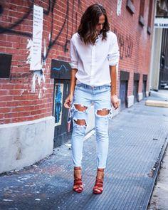 destroyed jeans camisa sandália street style