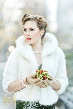 Senior picture portrait ideas New York City NYC christmas time winter snow cold fur coat sequins formal prom vintage mistletoe
