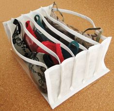 Closet Storage, Closet Organization, Smart Storage, Porta Lingerie, Diy Baby Gate, Clothing Packaging, Diy Crafts For Home Decor, Hanging Closet, Organize Fabric