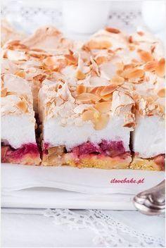 Ciasto z musem czekoladowym i wafelkami - I Love Bake Rhubarb Recipes, Pie Recipes, Sweet Recipes, Dessert Recipes, Cooking Recipes, Polish Recipes, Pumpkin Cheesecake, Food Cakes, Cookie Desserts