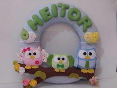 Lindo enfeite de porta maternidade família coruja para deixar o quarto do seu bebê fofo de alegria, fazemos nas cores para combinar com a sua decoração  P.S este valor é com a quantidade de coruja que esta na foto.
