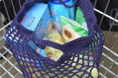Vanaf jan. 2016 geen plastictasjes meer. Dus hier een patroon om een boodschappennetje te haken http://lossenenvasten.nl/een-gehaakt-boodschappennetje/