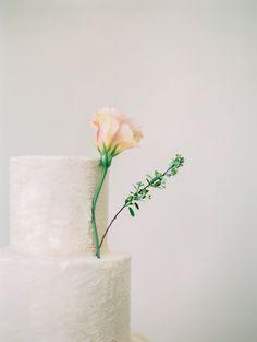 Kels & Michael | Beautiful wedding cake.