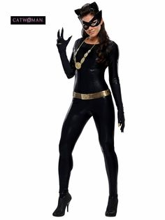 Selina Kyle Catwoman Costume for Girls. Find the best catwoman costume for girls. Catwoman is associated with Batman. Catwoman is DC comic character. Costume Chat, Costume Sexy, Costume Noir, Cat Costumes, Adult Costumes, Costumes For Women, Black Costume, 1960s Costumes, Kitty Costume