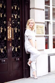 OH MAYFAIR    ZARA SHIRT   TOPSHOP PANTS   BIANCO SHOES   FOSSIL BRACELET   WEAREARROW RING   A very simple all white outfit