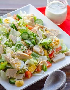 Healthy Chef Salad Recipe ~ veggies, eggs and chicken breast topped with homemade skinny buttermilk ranch dressing. Extremely easy, light and makes a great low calorie full meal. Perfect for leftovers and is highly customizable. Chef Salad Recipes, Healthy Salad Recipes, Lunch Recipes, Cooking Recipes, Shake Recipes, Comidas Lights, Healthy Chef, Healthy Eating, Hard Boiled Egg Recipes