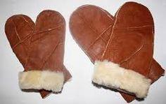 saueskinn luer - Google-søk Making Out, Sheep, Slippers, How To Make, Leather, Slipper, Flip Flops, Sandal