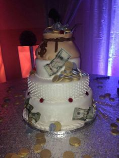 Bonnie and Clyde themed wedding cake