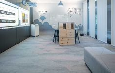 For this creative space located In Cologne, Germany, 62 square meters of Bolon Studio™ Scale Tiles was chosen to be installed. The soft pastel shades from the Flow collection created a calm atmosphere in the Idea Lab area of the Bene showroom. Bolon Flooring, Vinyl Flooring, Showroom, Teintes Pastel, Pastel Shades, Square Meter, Tiles, Retail, Projects