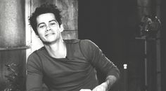 dylan o'brien hands - Sök på Google