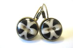 Antique black white button earrings, 1800s buttons
