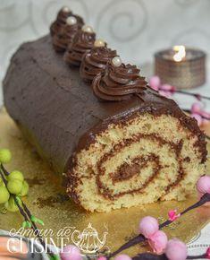 buche du nouvel an - Amour de cuisine Dessert Nouvel An, Biscuits, Pudding, Cream, Cooking Ideas, Ramadan, Chocolate, Christmas, Recipes