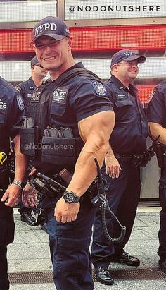 Hot pics of sexy cops Hunks Men, Hot Hunks, Sexy Military Men, Hot Cops, Cute White Boys, Muscle Hunks, Men In Uniform, Big Men, Gorgeous Men