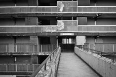 Visions of an Industrial Age // Heygate Estate, London, 1974 - Southwark Council A Level Photography, Urban Photography, Street Photography, Landscape Photography, Architectural Photography, Council Estate, Council House, Elephant And Castle, Arquitetura
