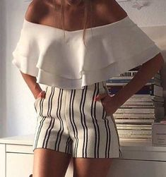 60 Trending And High Casual Summer Outfits Of Fashionista : Maria Turiel Mode Outfits, Fashion Outfits, Womens Fashion, Fashion 2018, Mode Shorts, Schneider, Casual Summer Outfits, Look Chic, Mode Style