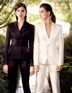 Margaret Qualley & Rainey Qualley (1380×1785) #auden #tomford