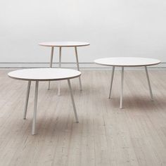 The LOOP Stand Round dining table is beautiful, easy to live and affordable, HAY - deco and design Hay Design, Aesthetic Design, Round Dining Table, Contemporary Furniture, Three Dimensional, Cool Things To Make, Living Room Decor, Cool Designs, Furniture Design