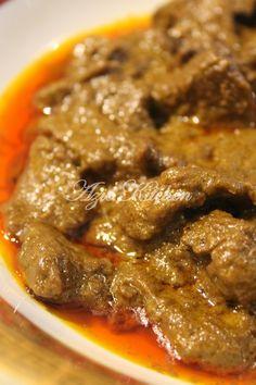 Azie Kitchen: Kerutuk Daging Masakan Negeri Kelantan Halal Recipes, Indian Food Recipes, Asian Recipes, Beef Recipes, Asian Desserts, Malaysian Cuisine, Malaysian Food, Malaysian Recipes, Curry Dishes