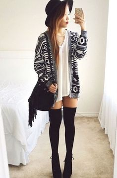 40 Stylish Fall Outfit Ideas With Over The Knee Socks - EcstasyCoffee Knee High Socks Outfit, High Socks Outfits, Thigh High Socks, Thigh Highs, Stylish Winter Outfits, Fall Winter Outfits, Casual Outfits, Cute Outfits, Fish Net Tights Outfit