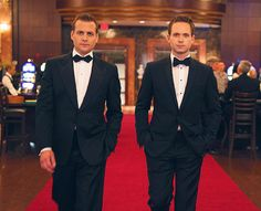 Harvey Specter and Mike Ross / Gabriel Macht and Patrick J. Harvey Specter Suits, Suits Harvey, Serie Suits, Suits Tv Shows, Suits Usa, Mens Suits, Suits Quotes, Gabriel Macht, Smoking