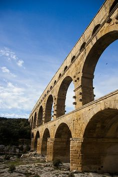 The famous Pont du Gare - France Beautiful location. Le Gard, Pont Du Gard, Places Around The World, Travel Around The World, Around The Worlds, Provence France, Nimes France, Tours France, French Countryside
