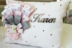 egepol hastanesi kız hastane odası süsleme Diy Craft Projects, Handmade Crafts, Diy And Crafts, Bow Pillows, Baby Mobile, Wooden Letters, Baby Knitting Patterns, Baby Decor, Birthday Decorations