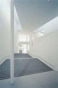 Pinakothek der Moderne, Munich, architect Stephan Braunfels, 2002: