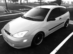 Red (Black and White) Ford Focus mk1 Lupe Cervantes - G+