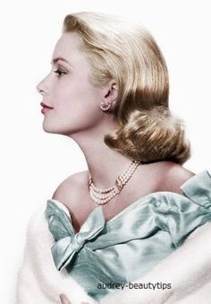 Beautiful color photo of Grace Kelly