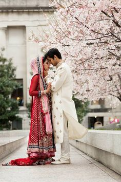 This is seriously gorgeous. And I'm not even having one of these weddings.