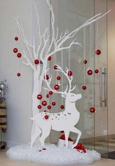 Easy Christmas Decorations, Easy Christmas Crafts, Christmas Wood, Outdoor Christmas, Christmas Projects, Simple Christmas, Christmas Holidays, Christmas Wreaths, Christmas Ornaments