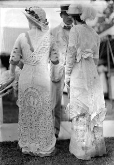 Geologists' wives in lacy dresses, Queen's Park, Toronto, 1913. City of Toronto Archives