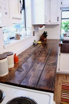 Ways To Choose New Cooking Area Countertops When Kitchen Renovation – Outdoor Kitchen Designs Outdoor Kitchen Countertops, Cheap Countertops, Diy Butcher Block Countertops, Wood Counter Tops Kitchen, Backsplash Cheap, Kitchen Backsplash, Kitchen Worktop, Wooden Countertops, Kitchen Canisters