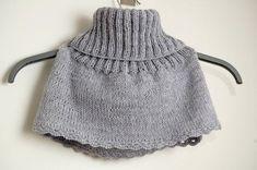 Gro's short and sånnt: Knitted Hals Crochet Scarves, Knit Crochet, Neck Warmer, Kids And Parenting, Mittens, Boho Shorts, Vintage Dresses, Knitted Hats, Beanie