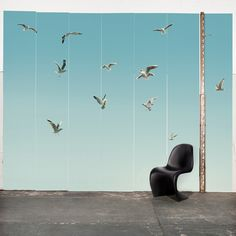 Inspirado no trabalho marinho de pintores holandeses do século 19, o painel retrata o vôo de gaivotas em um céu azul. O resultado nos faz lembrar mesmo um quadro no qual os pintores Marcelo e Jaap exploraram um degradê suave, mas maravilhoso, do azul turquesa a um azul esverdeado, com as gaivotas distantes, desfocadas por uma neblina que toma a cena da composição e cria um charme especial no painel.