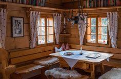 Chalet Interior, Interior And Exterior, Interior Design, Small Log Cabin, Wooden Cottage, Loft Room, Cabin Design, Cottage Interiors, Log Homes