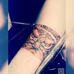 The chinese Lion dance 舞獅 wǔshī Cool Tattoos, Tatoos, Chinese Lion Dance, Tattoo Japanese, Asian Tattoos, Irezumi Tattoos, Tattoo Art, Asian, Japan Tattoo